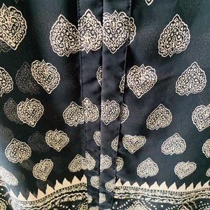 14th & UNION Black and Beige  Tunic size XL